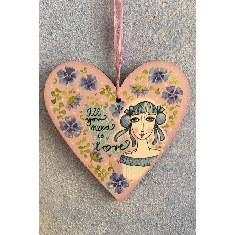 """Srdce malé """"Všetko čo potrebješ je láska"""""""