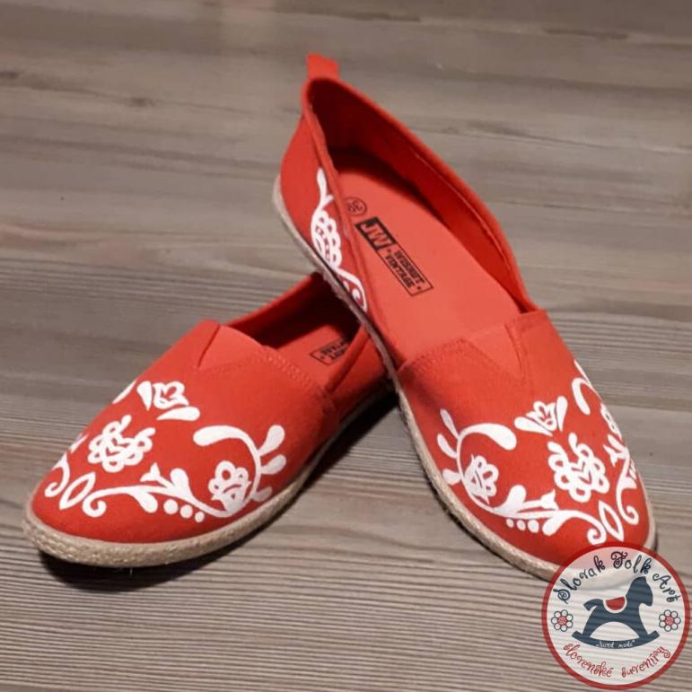 Dámske balerínky červené s bielym  vzorom