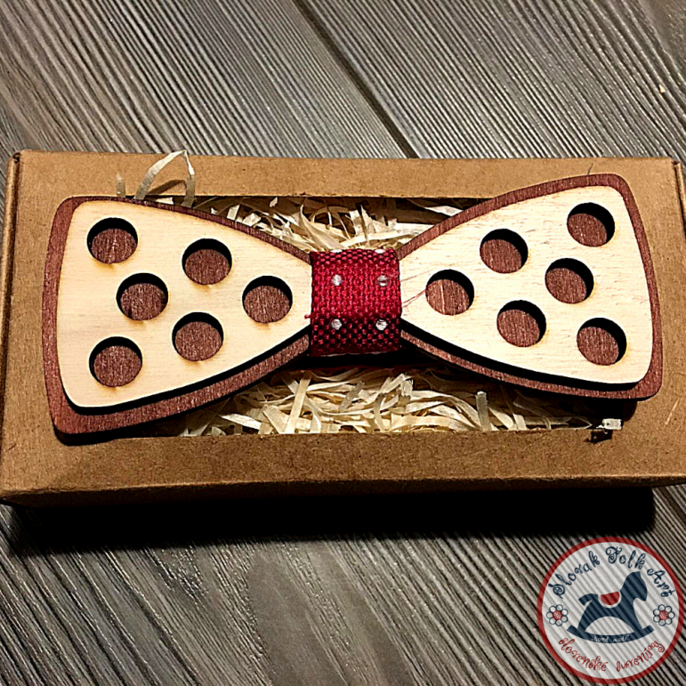 Wooden bow tie (dots)