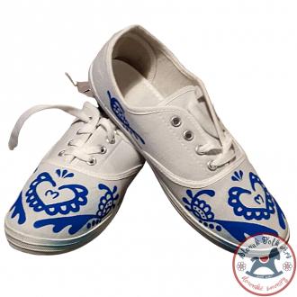 Dámske folklórne tenisky biele s modrým ornamentom