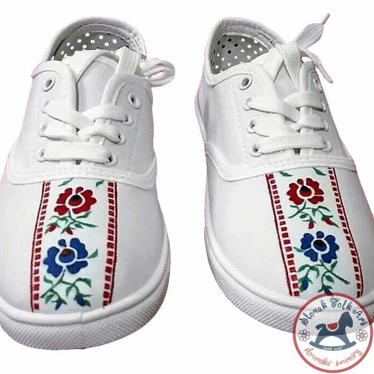 Women's white folklore sneakers with ribbon design