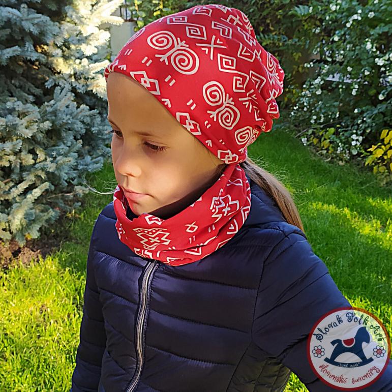 Cap and neckerchief Čičmany red