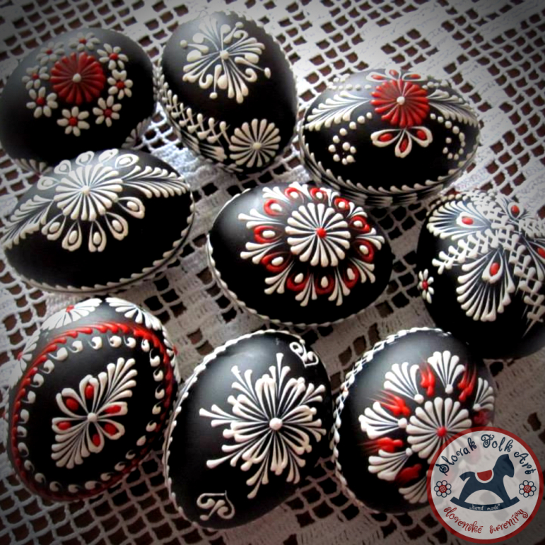 Waxy Easter egg (black-red)