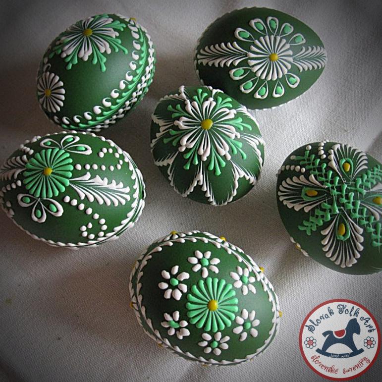 Waxy Easter egg (dark green)